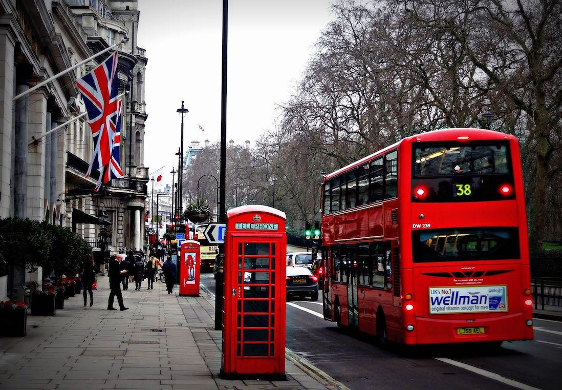 bridgeit-lend-finance-asset-mezanine-london-street-double-decker